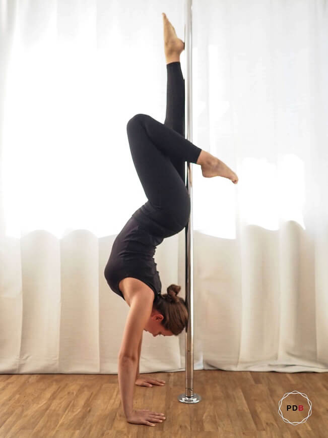 Poledance Handstand Variation